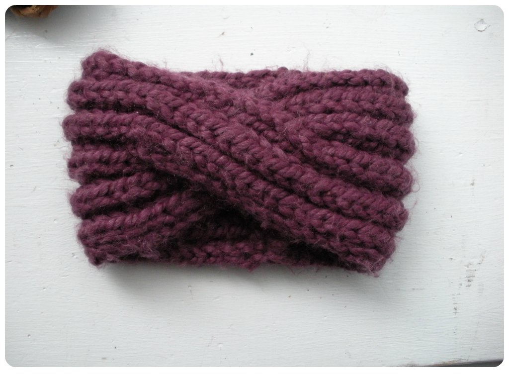 Knitted Headband Pattern On Circular Needles : Free Pattern: Knit Turban Headband vinaknits